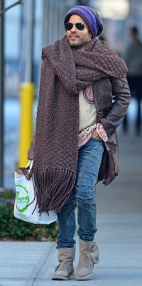 Men Street Fashion: Lenny Kravitz Giant Scarf Hot Or Not ...