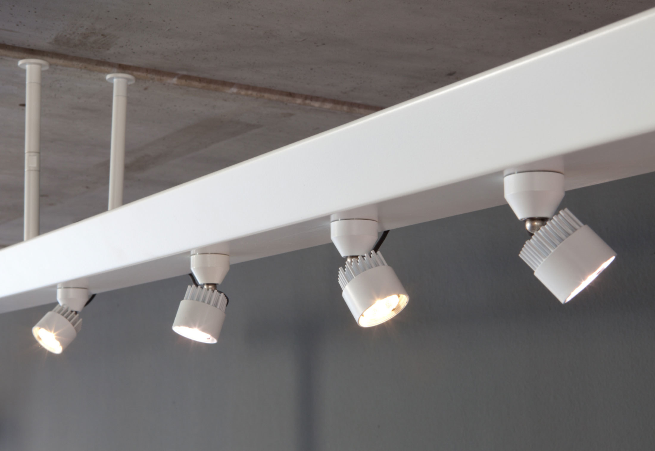 Led Lichtschiene Led-luc Light-track By Ado Lights | Stylepark