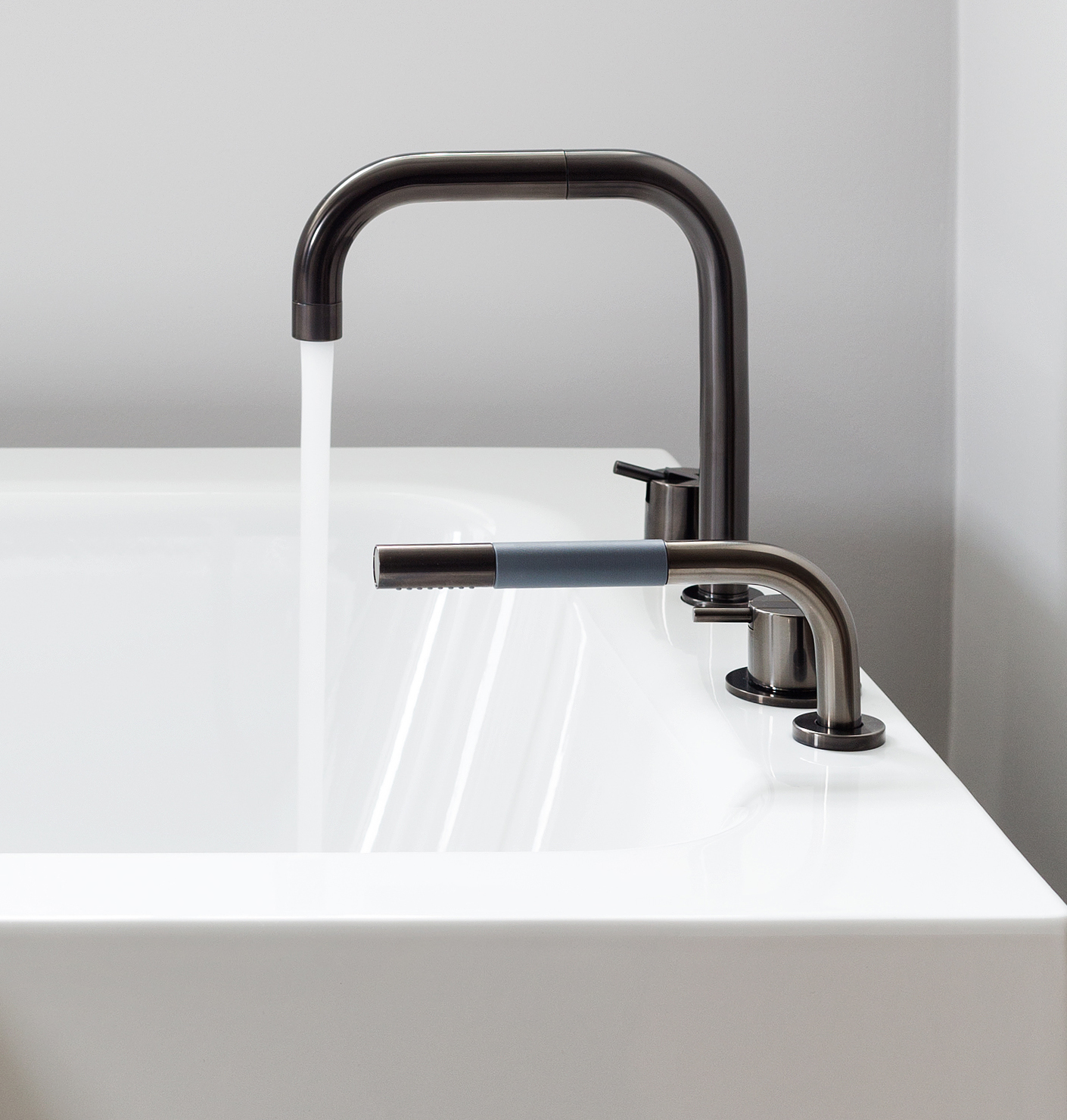 Vola Mixers With Pvd Surfaces Set The Tone In The New B Stylepark