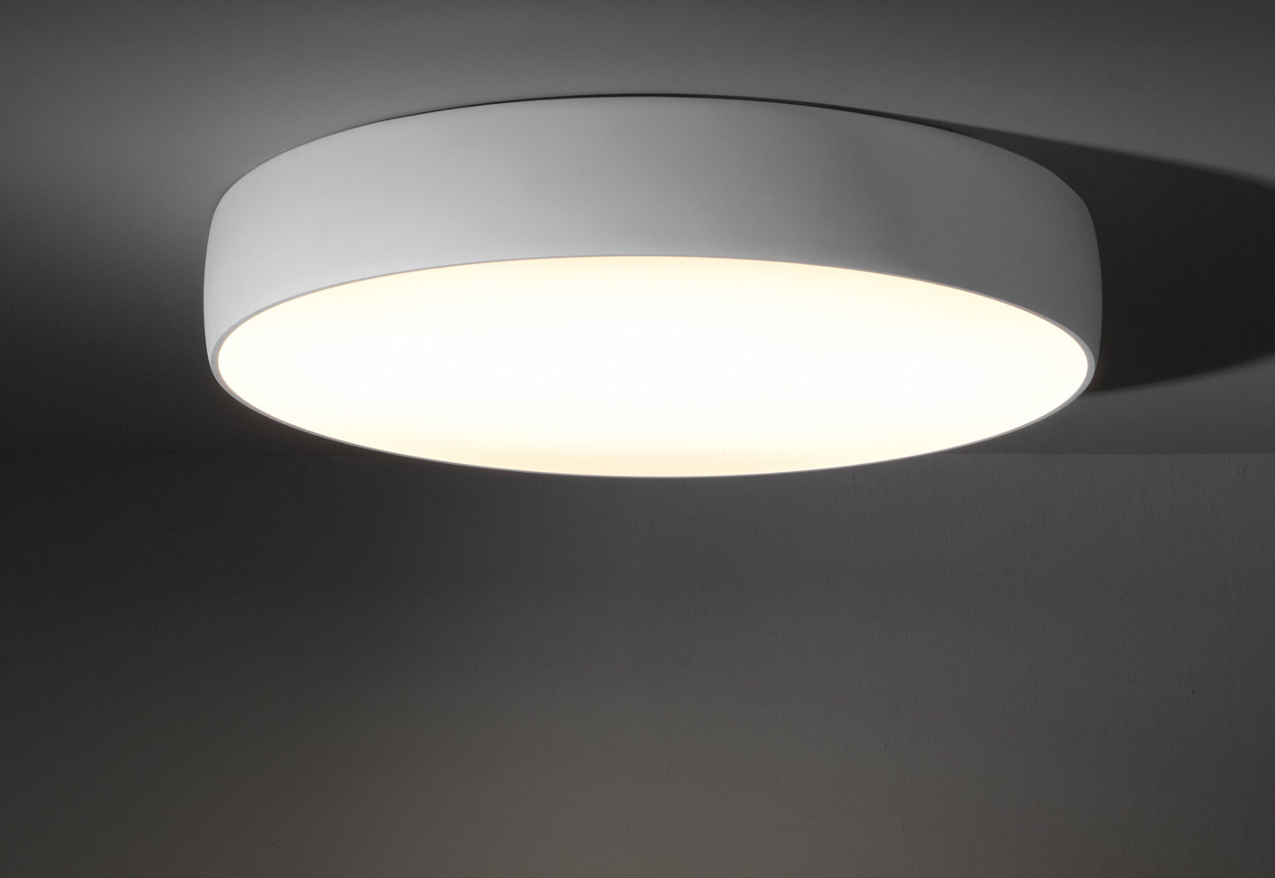 Flat Moon ceiling lamp by Modular Lighting Instruments