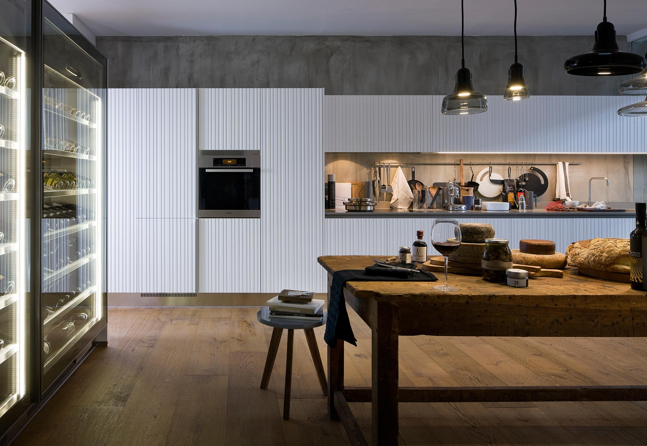 Bbq Gamma Gamma Vertical Staves Kitchen By Arclinea Stylepark