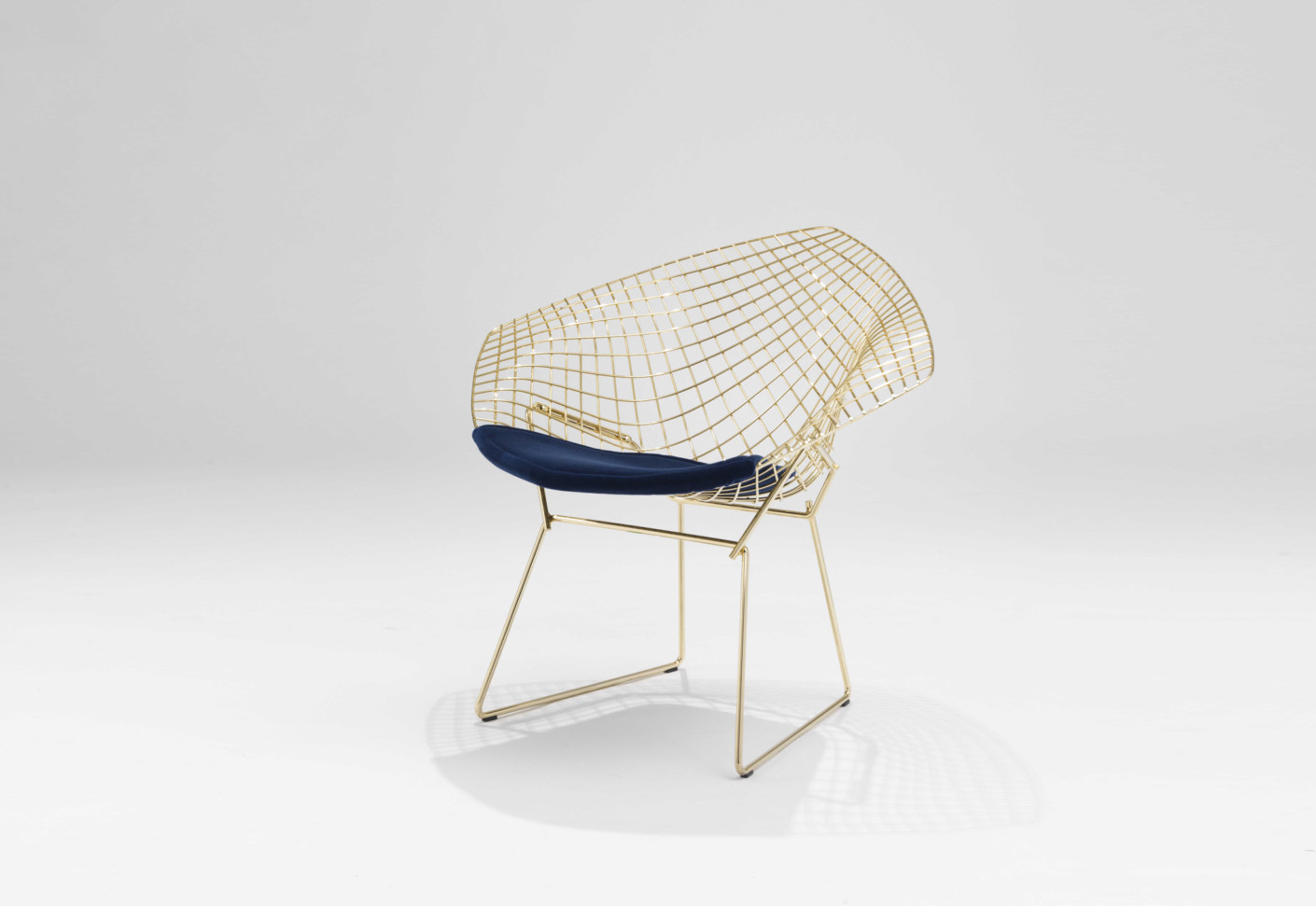 Diamond Sessel Bertoia Diamond Lounge Chair Gold Plated By Knoll Stylepark