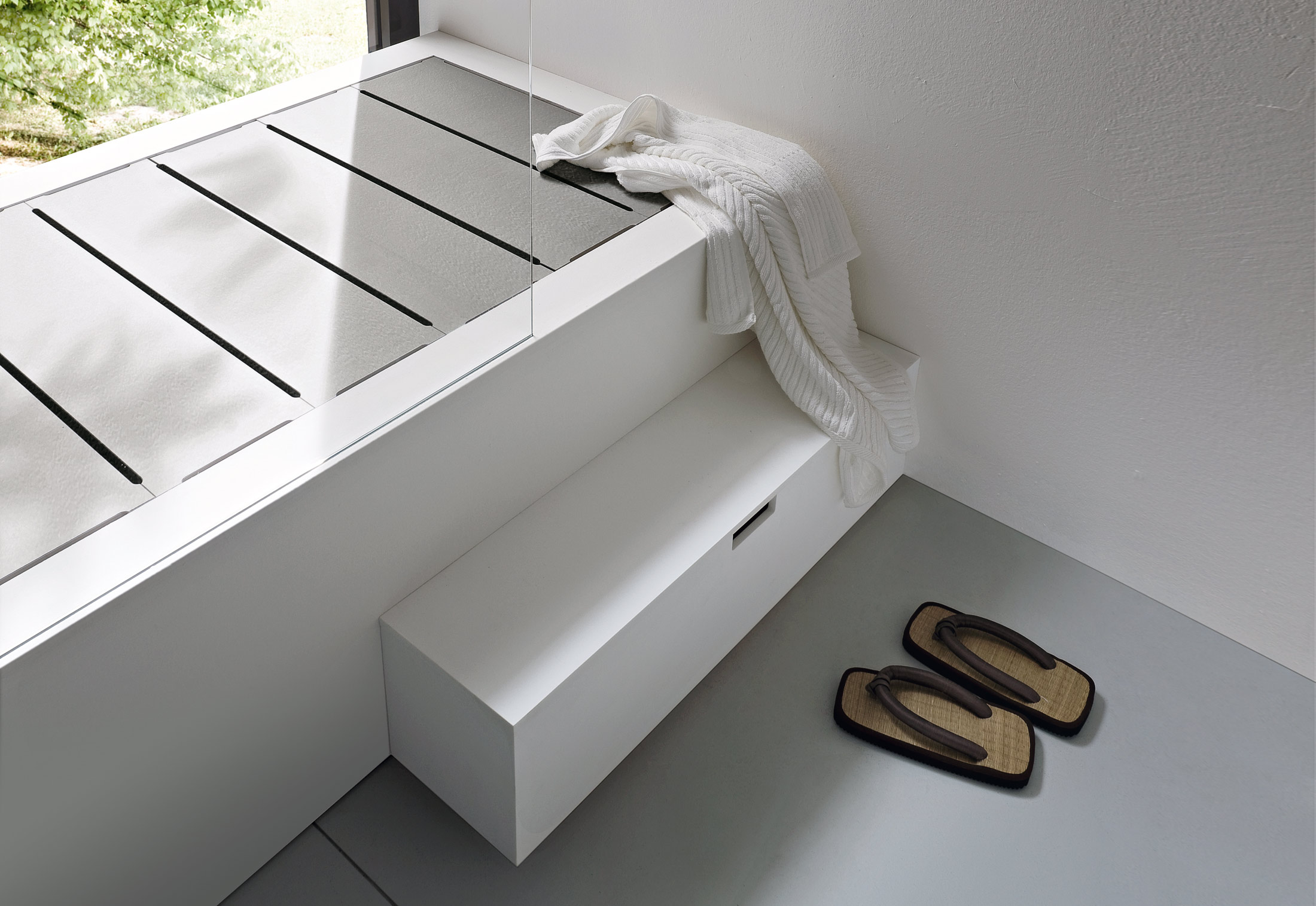 Designer Badewanne Unico Bathtub With Top Cover By Rexa Design | Stylepark