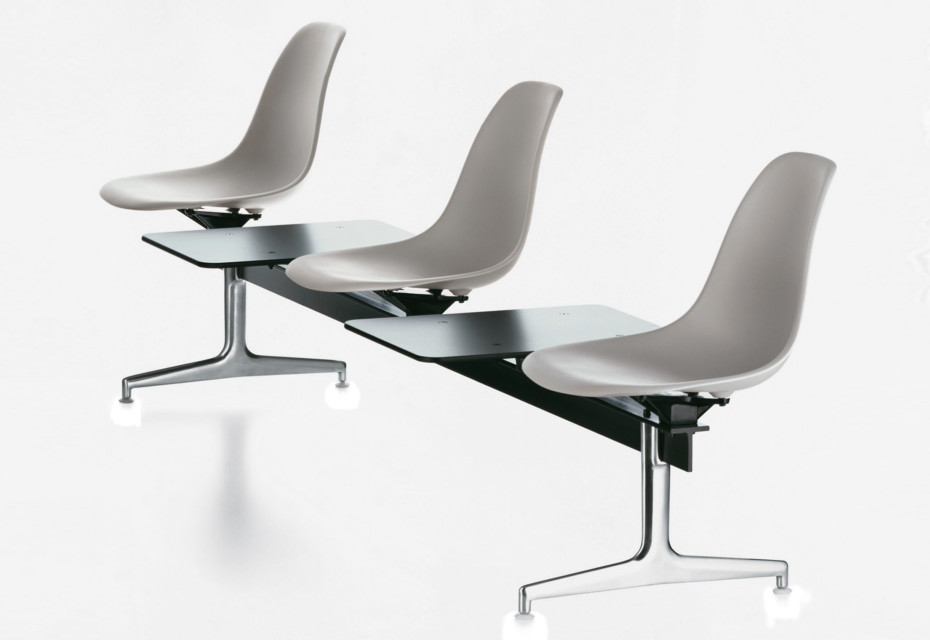 Vitra Eames Plastic Side Chair Dsr Eames Plastic Side Chair Auf Traverse Von Vitra | Stylepark