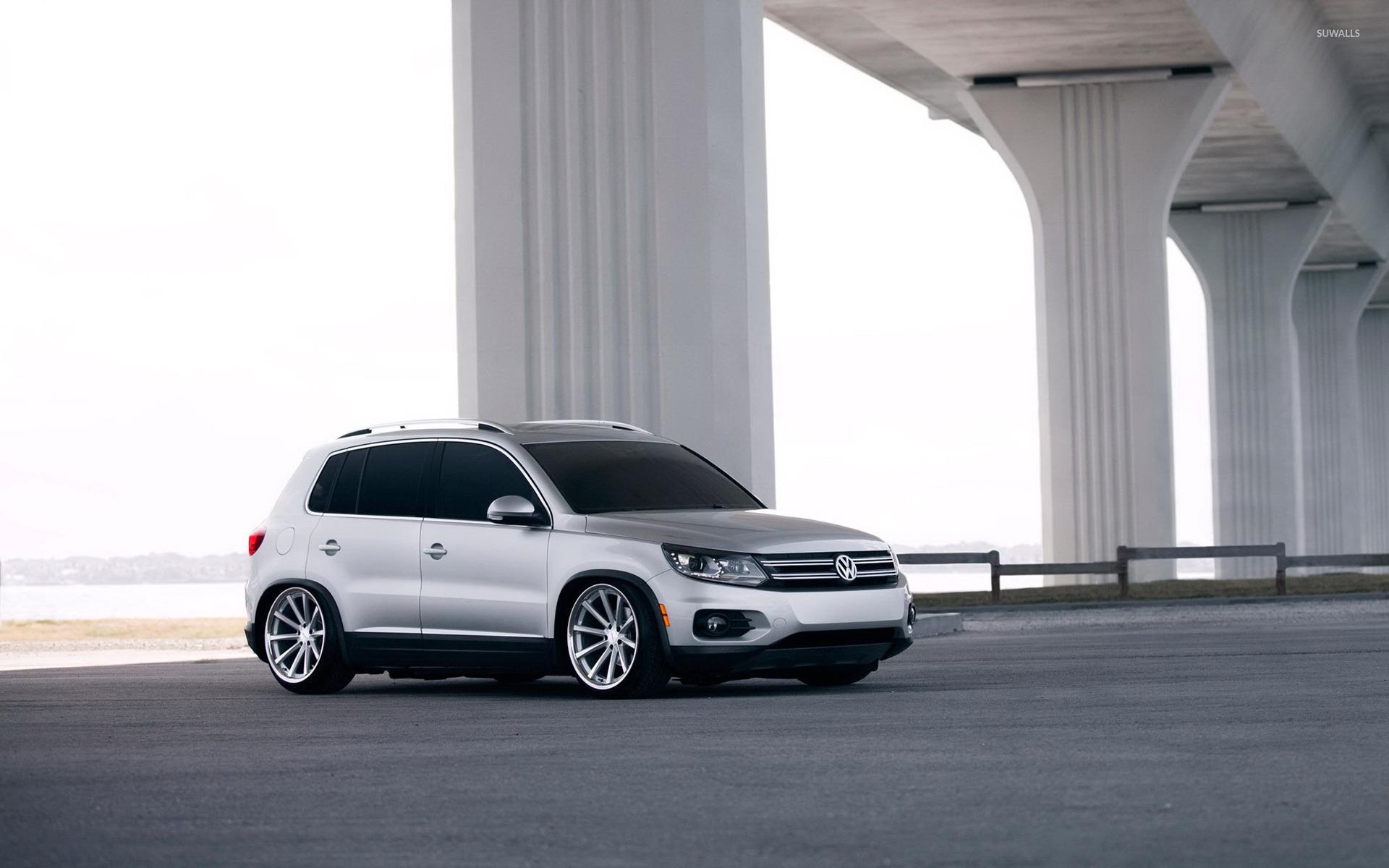 Free Bmw Car Wallpapers Download Volkswagen Tiguan Under A Bridge Wallpaper Car
