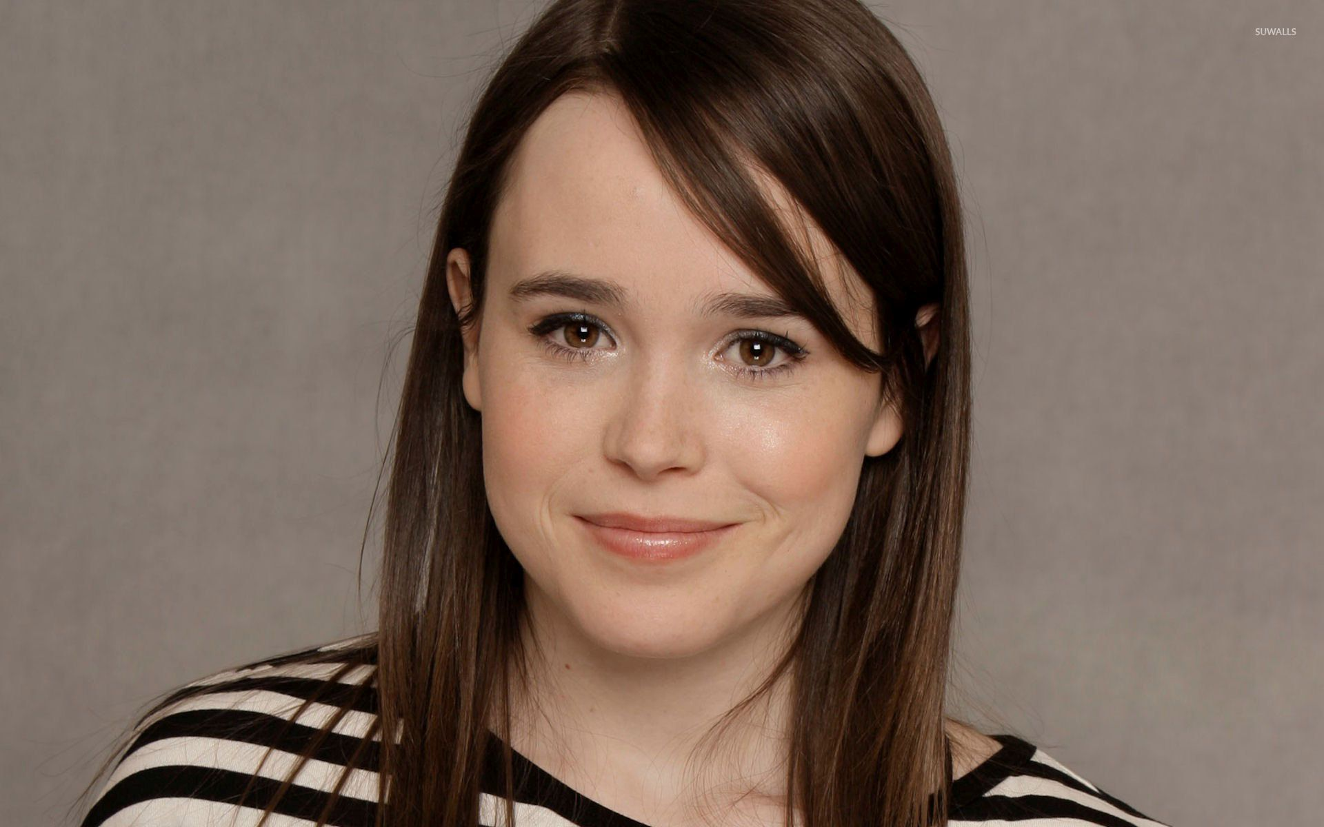 Kisses Wallpapers With Quotes Ellen Page With A Black And White Top Wallpaper