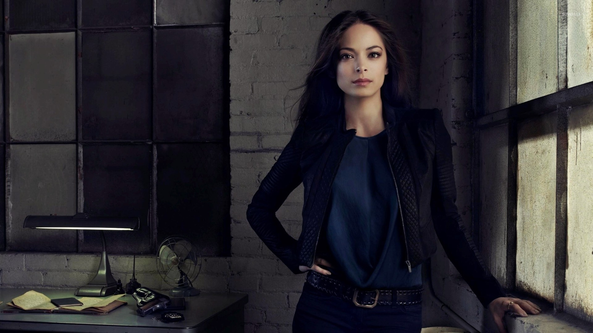 Pilot Quotes Wallpapers Kristin Kreuk In Blue Jeans Wallpaper Celebrity