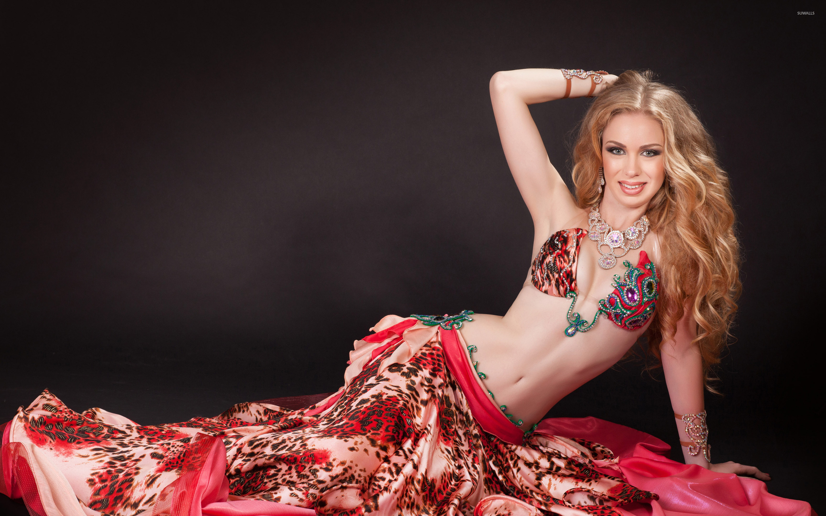 Cute Asian Wallpaper Blonde Belly Dancer Wallpaper Girl Wallpapers 39729