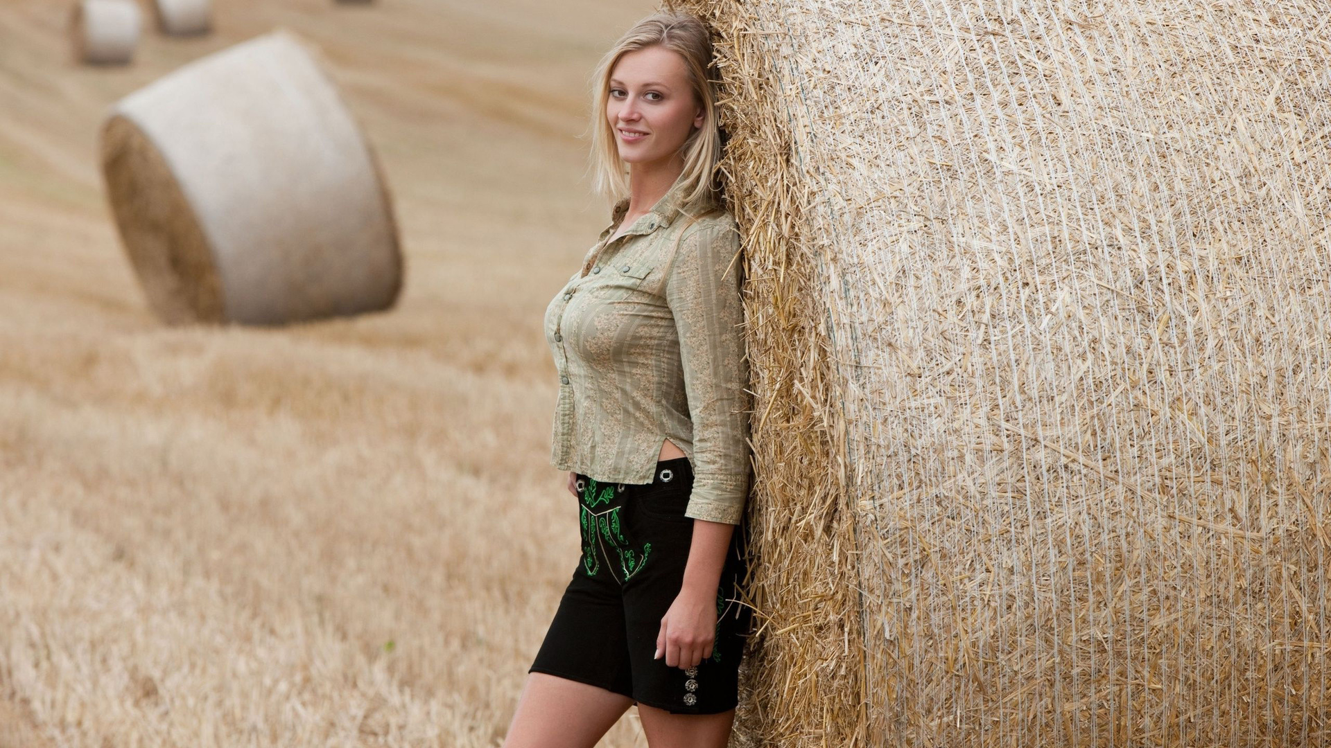 Girl With Hat Wallpapers Blonde Leaning On A Hay Bale Wallpaper Girl Wallpapers