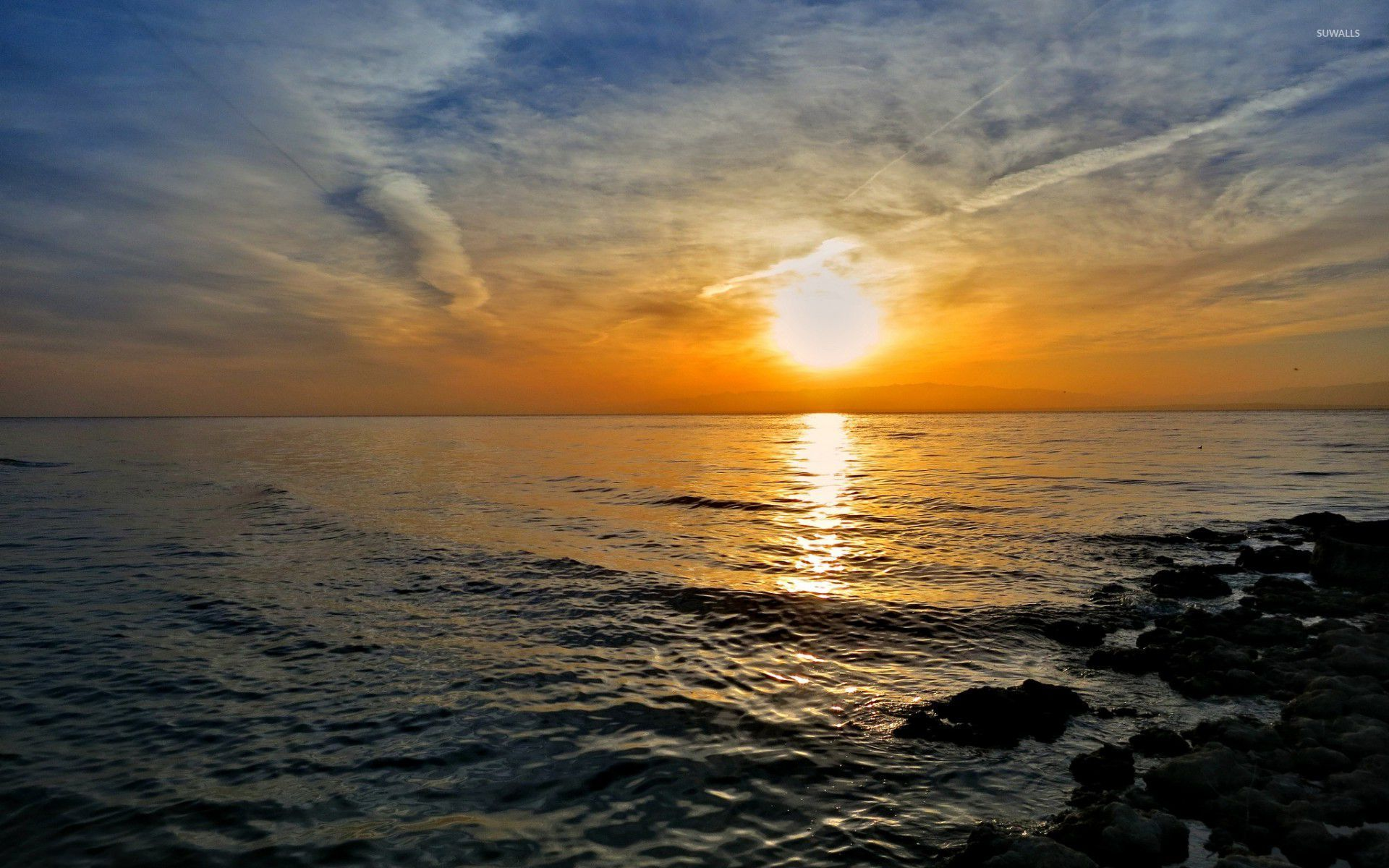 Fall Mountain Scenes Wallpaper Amazing Sunset Reflecting In The Ocean Wallpaper Nature