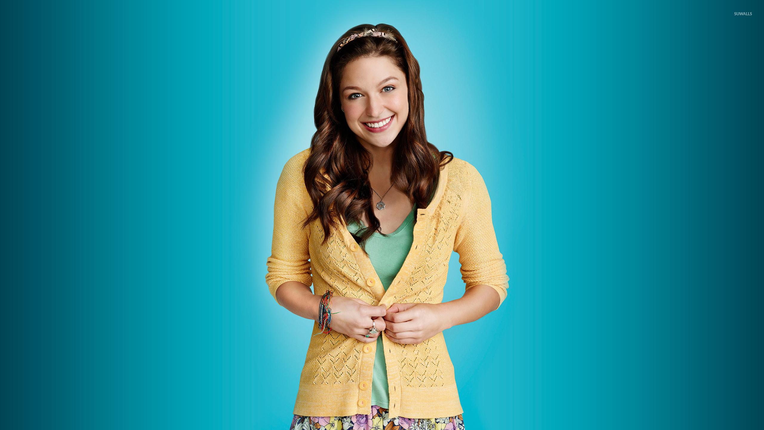 Tardis Wallpaper Hd Marley Rose With A Yellow Sweater Glee Wallpaper Tv