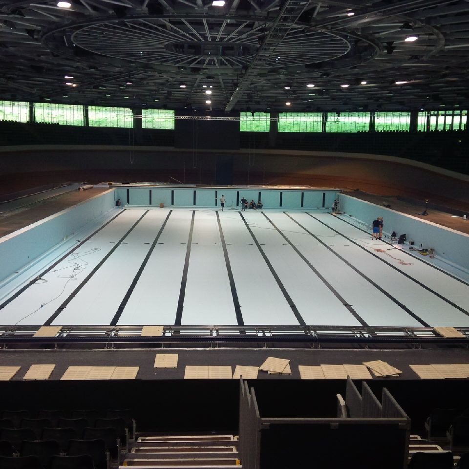 Swimmingpool Berlin See Images Of Transformation Of Berlin Velodrome From Cycling