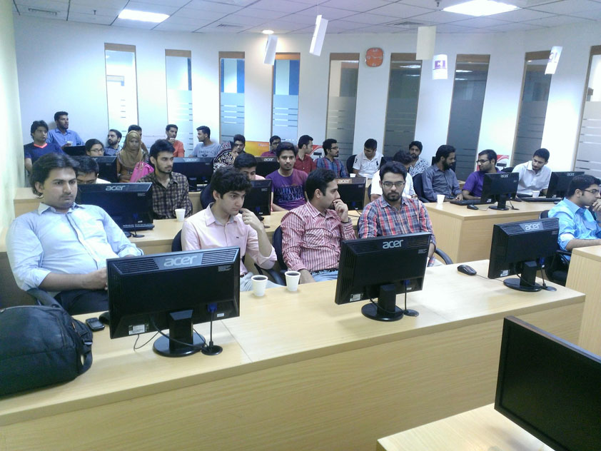 Microsoft Innovation Center offers Internships to 7th Batch of IT - interning at microsoft