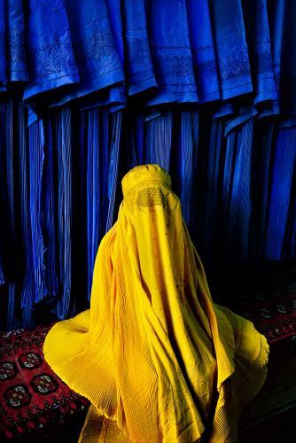 Afghan Girl Eyes Wallpaper Afghanistan Through A Lens Photojournalist Steve Mccurry