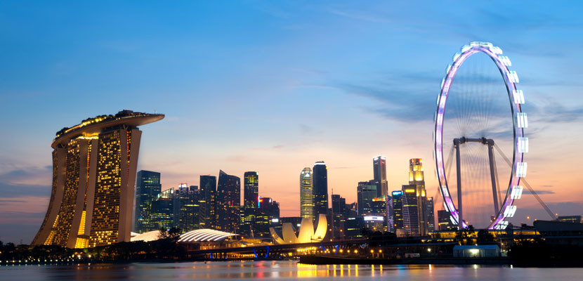 Fly to Singapore on discounted award tickets. Image courtesy of Shutterstock.