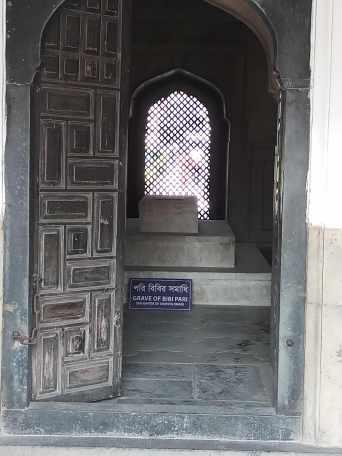 Pori Bibi's tomb. Credit: Sangeeta Barooah Pisharoty