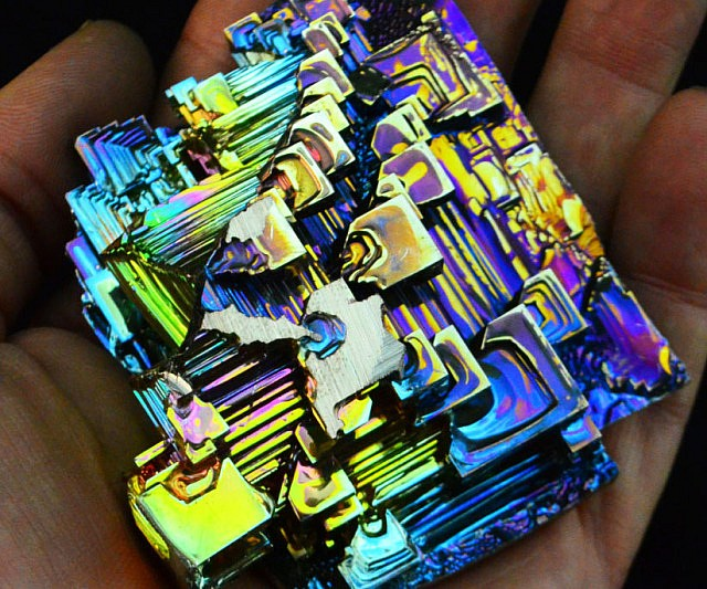 Iphone X Cool Wallpaper Features Bismuth Crystal