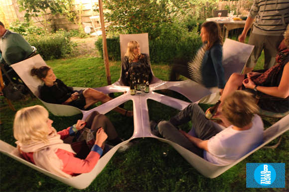 Terrasse En Tech Forced Interaction Furniture : Bottlebench Social Garden