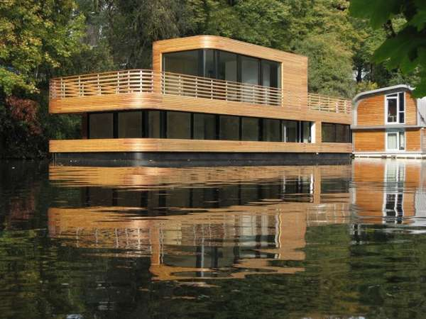 Floating Homes Hamburg Floating Eco Homes : Houseboat On The Eilbekkanal By Rost