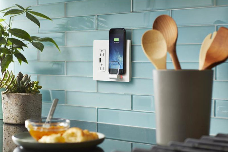 Qi Chargeur Qi-enabled Wall Outlets : Legrand Radiant