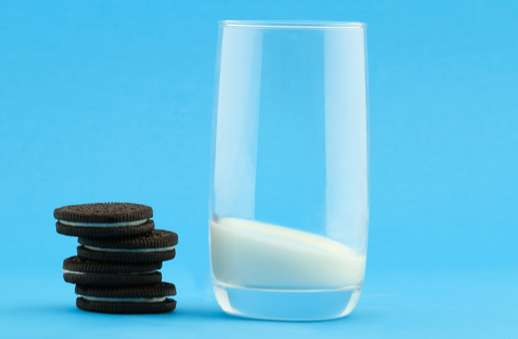 Cookie Cutters Sentient Cookie Campaigns : Oreo And Milk Ads