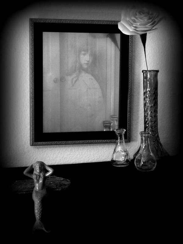 Creepy Fall Wallpaper Ghostly Haunted Mirrors Sandy Ervin