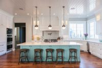 35 Two-Tone Kitchen Cabinets To Reinspire Your Favorite ...