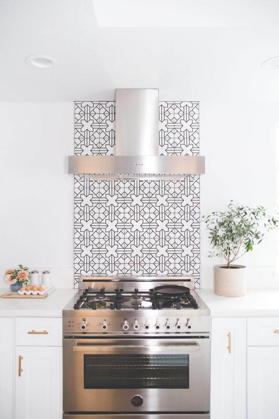 cool kitchen scout design modern kitchen backsplash cool kitchen backsplashes shelterness