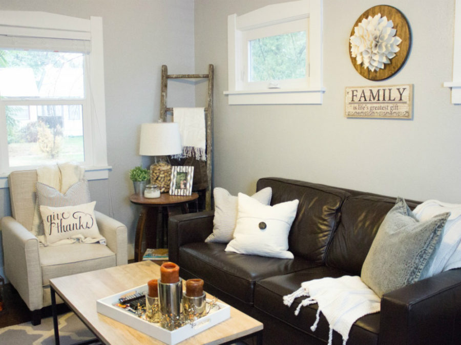 Rustic Modern Family Room 'tis Autumn: Living Room Fall Decor Ideas