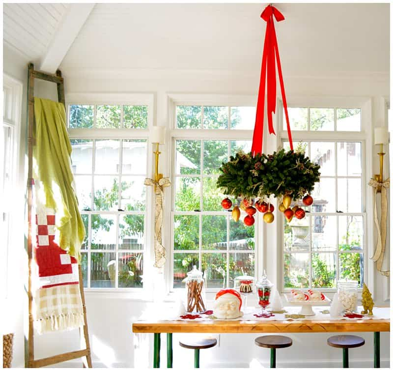 Lichterkette Weihnachten Fenster 23 Ways To Decorate Your Kitchen For The Holidays