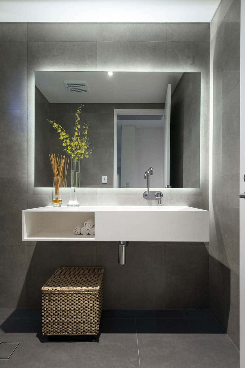 Light Bathroom Mirror Big Bathroom Mirror Trend In Real Interiors