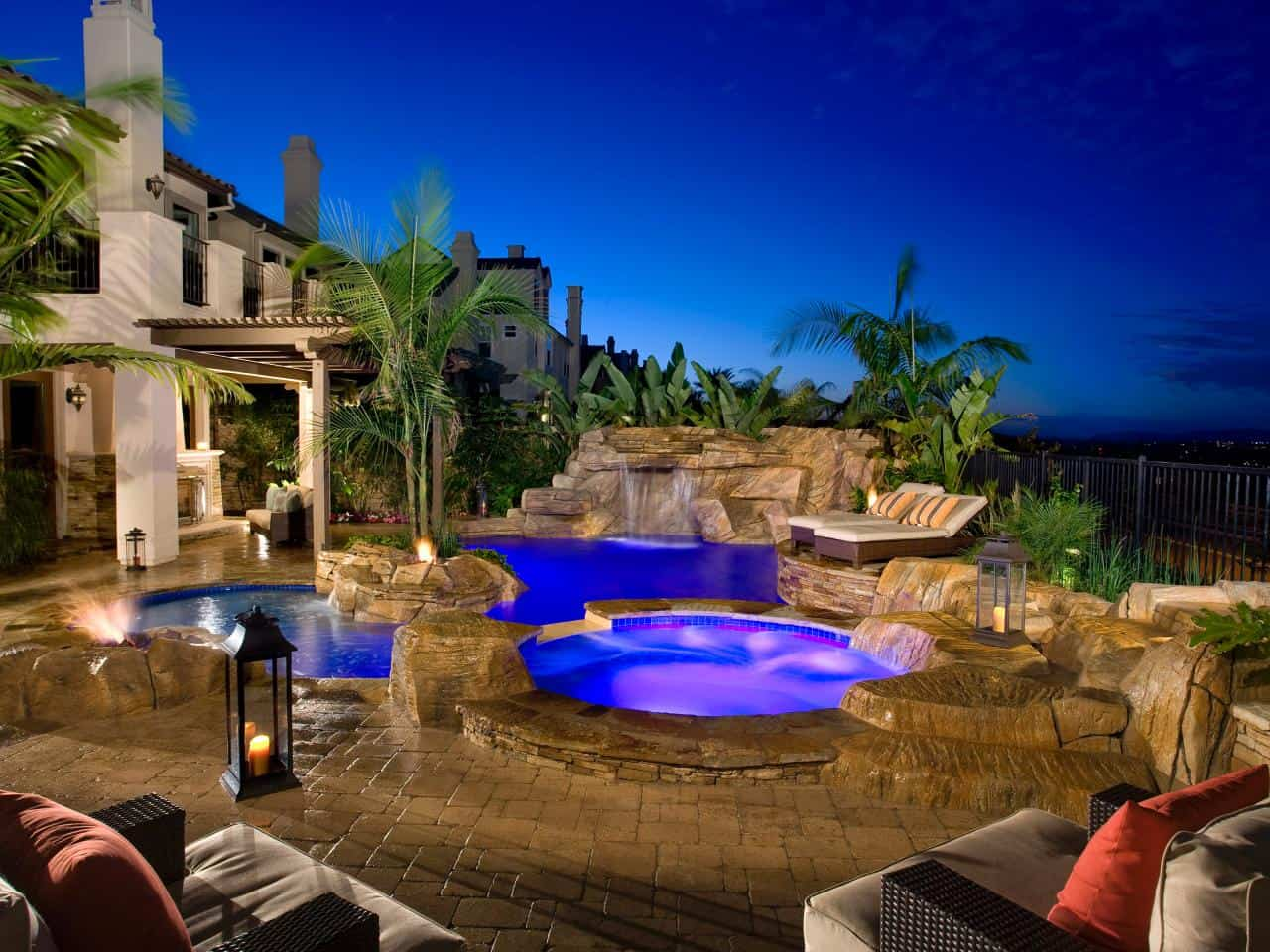 Jacuzzi Oval Pool Swimming Pool Trends For The Ultimate Staycation Right At Home