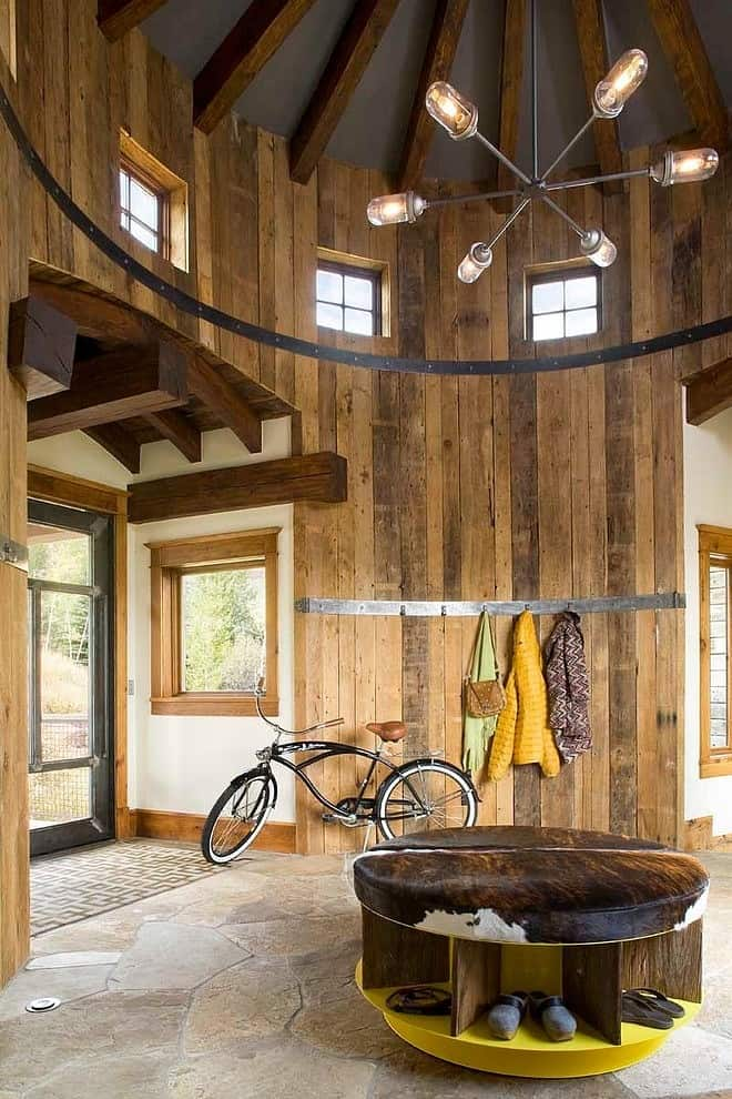 Amenagement Interieur Pool House Turret Home With Rustic Interiors