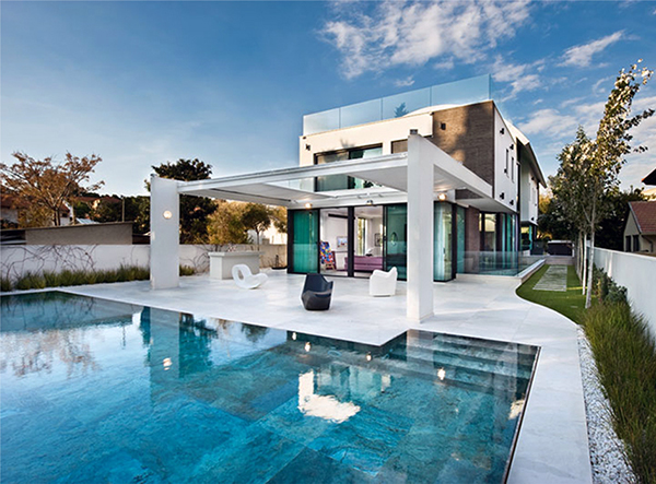 Contemporary Mediterranean House: A Private Paradise