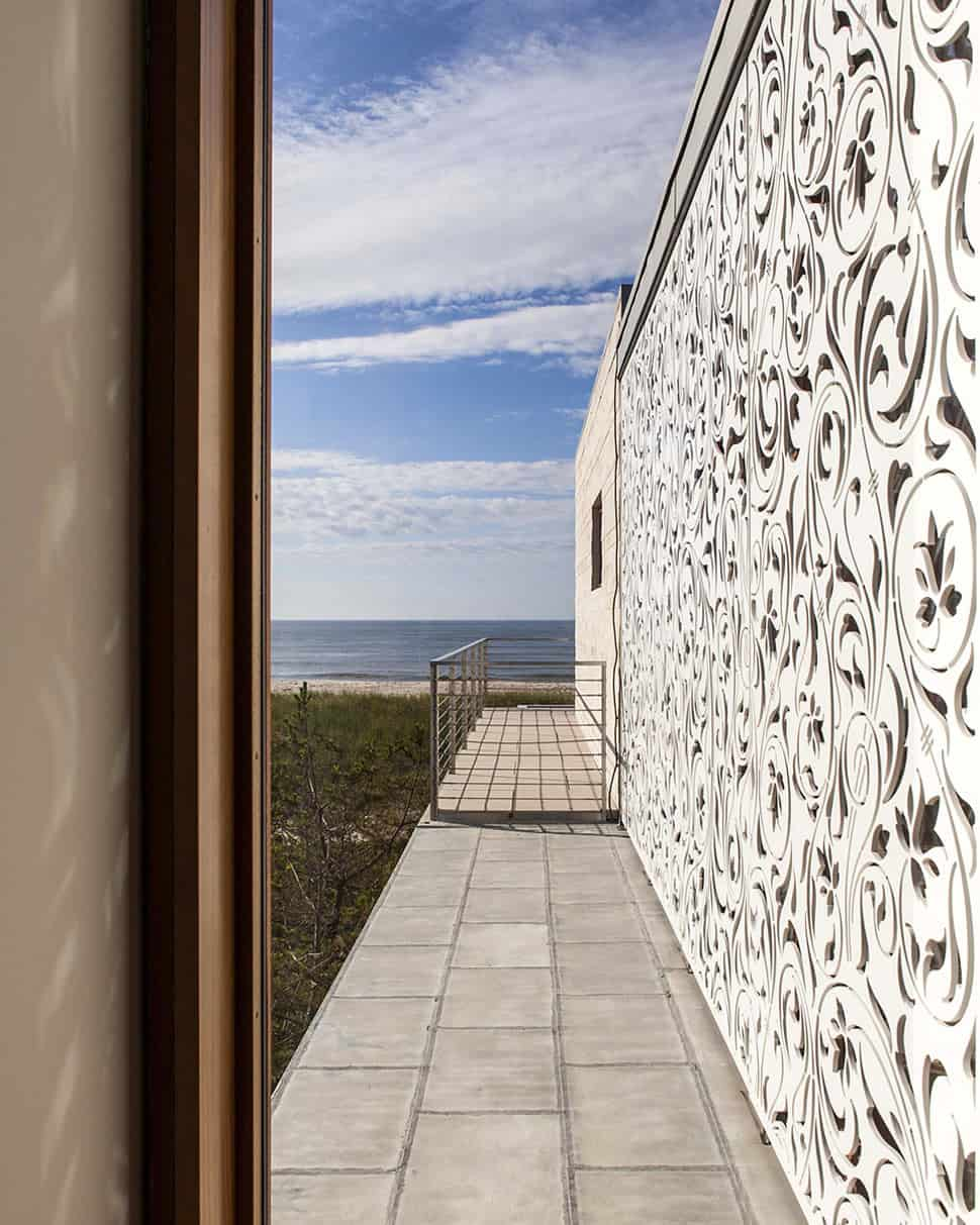 View in gallery hamptons beach house with elegant metal screen 4