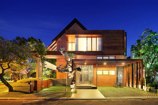 Rumah Joglo Sederhana Indonesia Luxury Homes: Living Large On A Small Site