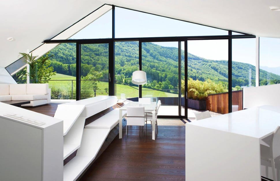 Terrasse Coulissante Pour Piscine Prix Slope Roof House With Futuristic Interiors