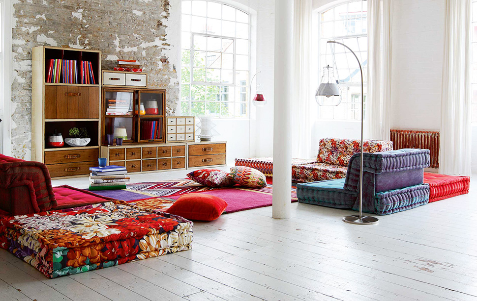 Casual-chic living room decor Rustic storage, colorful cozy furniture - casual living room furniture