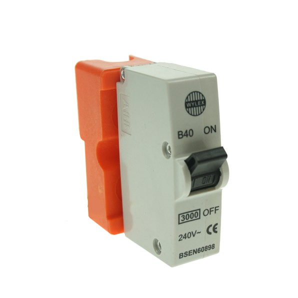 Wylex 40amp Plug-in MCB at UK Electrical Supplies