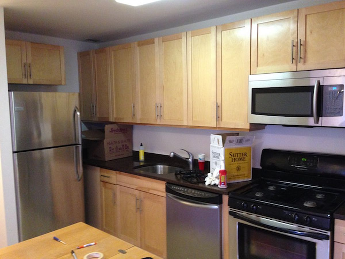 How To Paint Kitchen Cabinets Without Streaks In A Harlem Condo A Do It Yourself Attitude Goes A Long