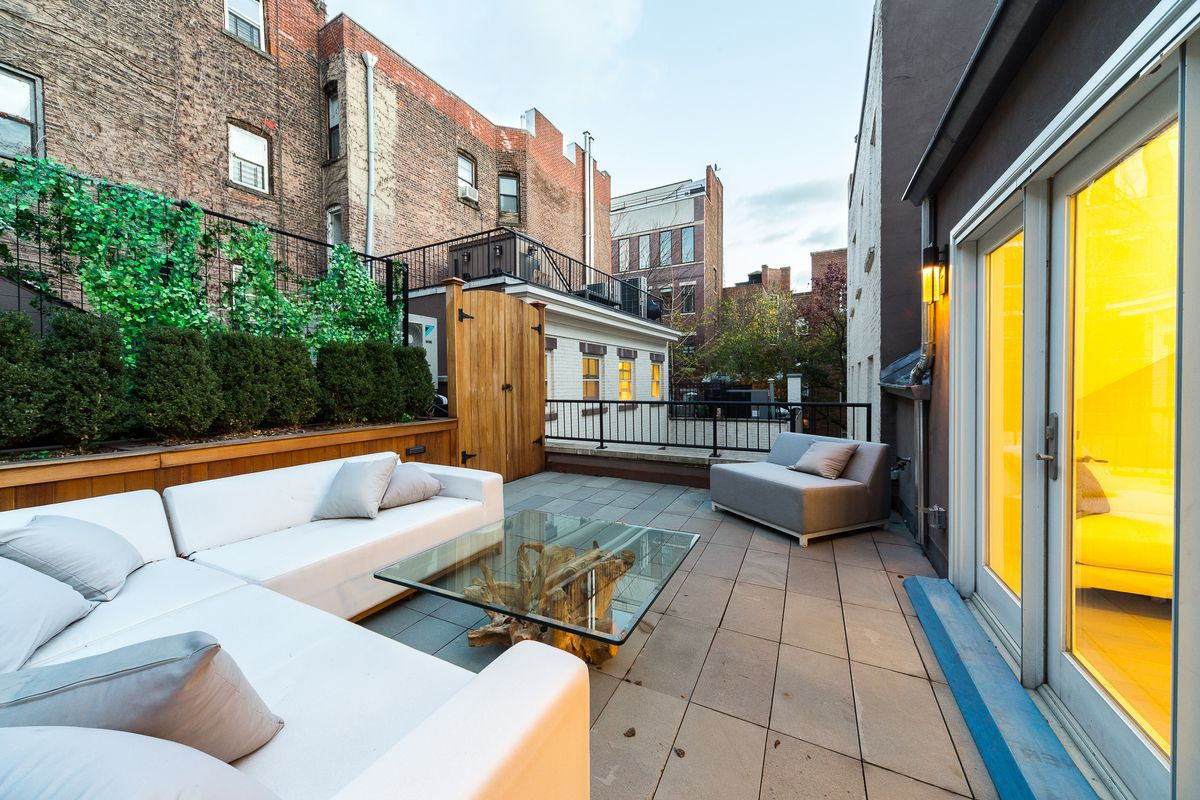 Small Nyc Apartment Design How To Create An Outdoor Oasis In A Small Nyc Apartment