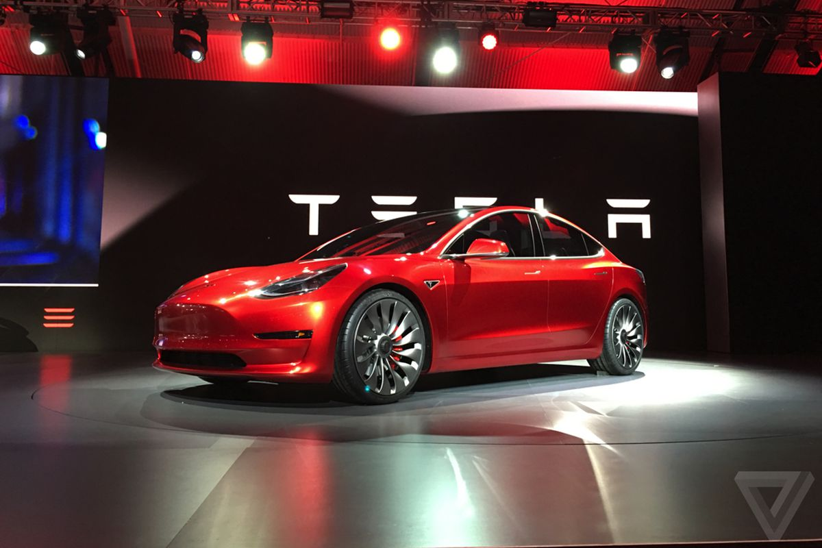 Elon Musk Car In Spac Wallpaper Tesla Wants To Make Up To 200 000 Model 3s In The Second