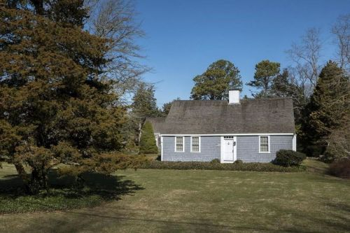 Intriguing Sale Under 100 000 Sale Under 250 000 Cape Cod Homes Via Historic Houses On Cape Cod Sale Right Now Curbed Cape Cod Homes