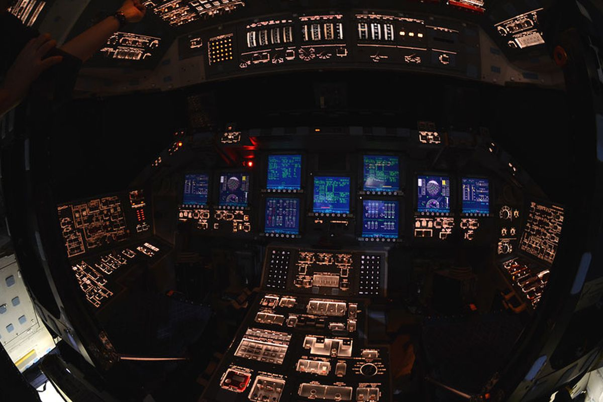 Adobe Images Search A Look Inside The Space Shuttle Atlantis The Verge