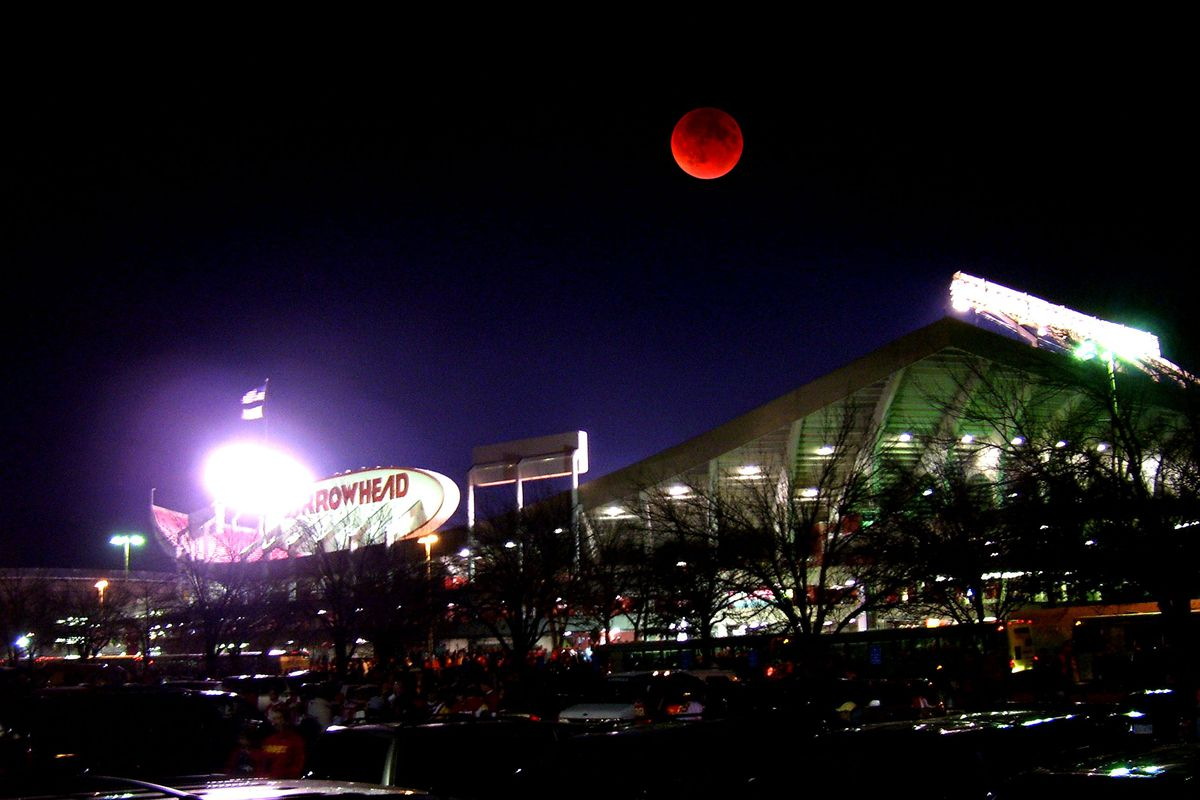Red 1 Parking Arrowhead The Moon Will Turn Red Over Arrowhead Stadium On Sunday