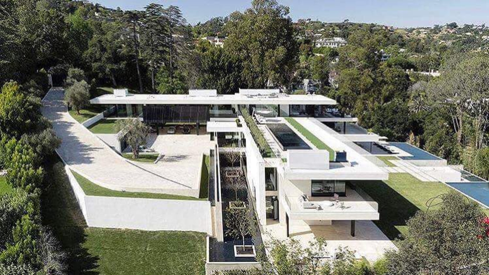 Bel Air Mega Mansion For Sale Beyoncé And Jay Z Reportedly Offer 120m For Bel Air