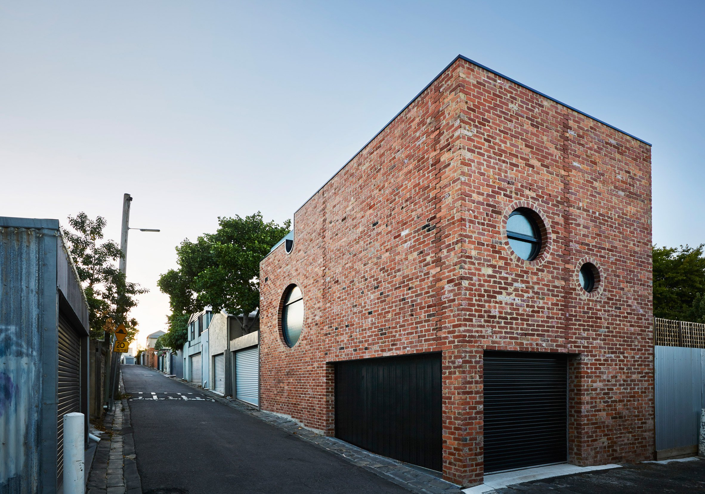 Wall Clock Melbourne Cool Brick House Built As Secondary Dwelling In Melbourne