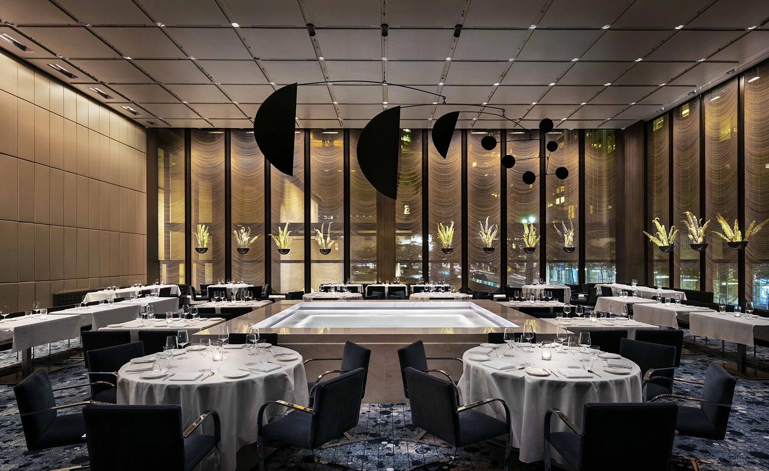 Restaurant A New York The Pool Restaurant Review New York Usa Wallpaper