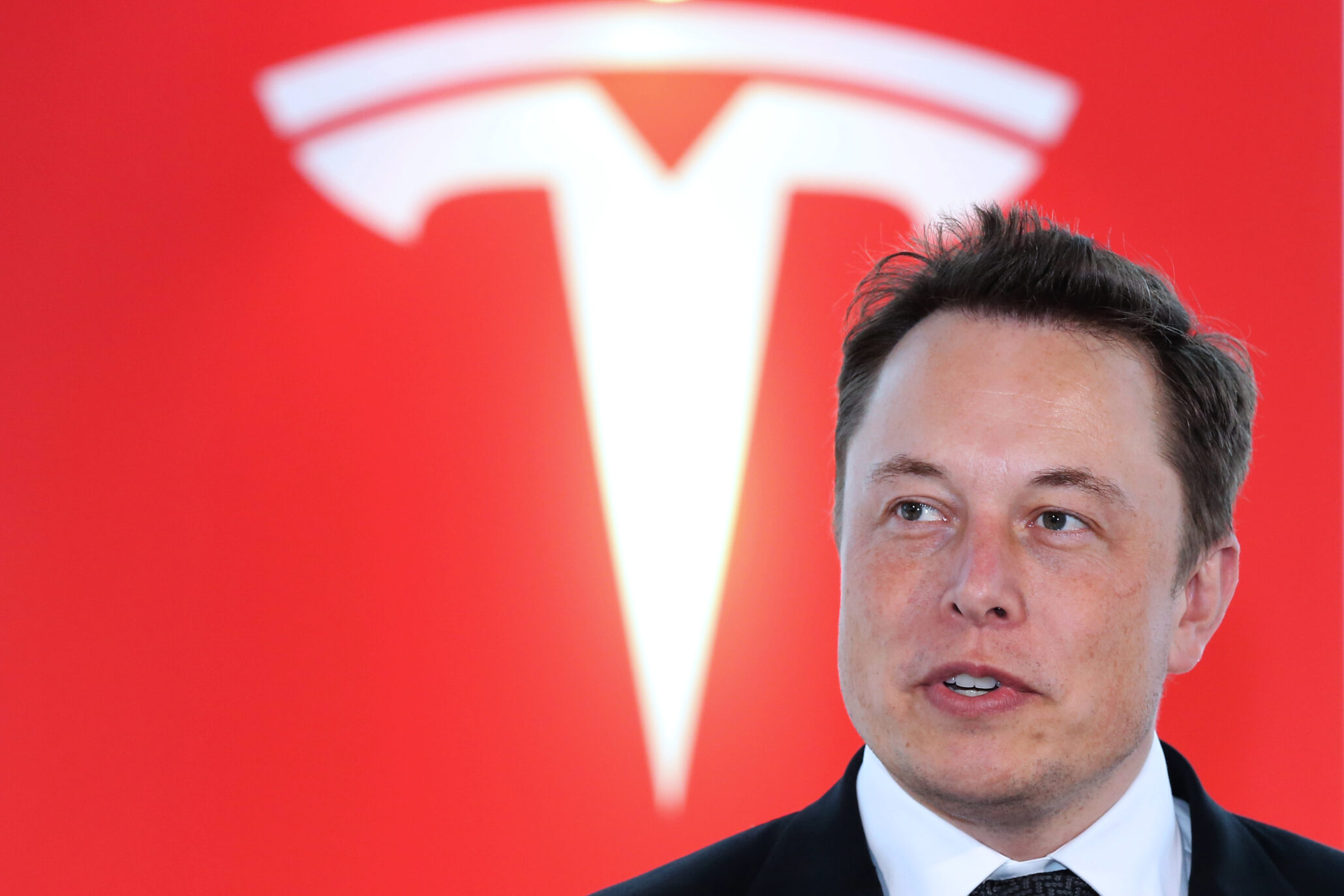 Musk Tesla The Elon Musk Is Staying Tesla Meets Ambitious Model 3 Production