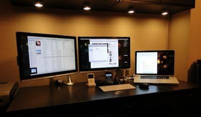 macbook pro with external monitor 1 Conecta y configura un segundo monitor en Mac